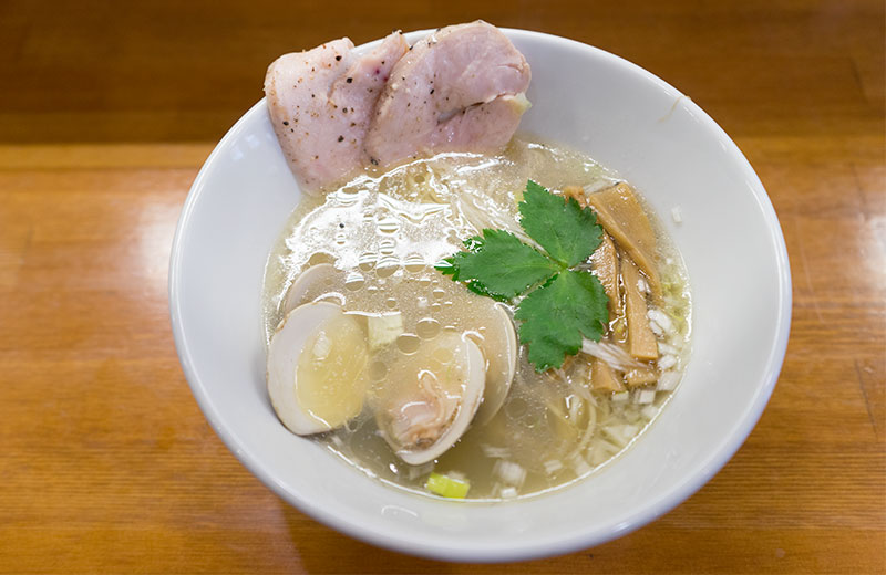 Chicken and clam salt based ramen in Shoyu To Kai To Men Soshite Hito To Yume