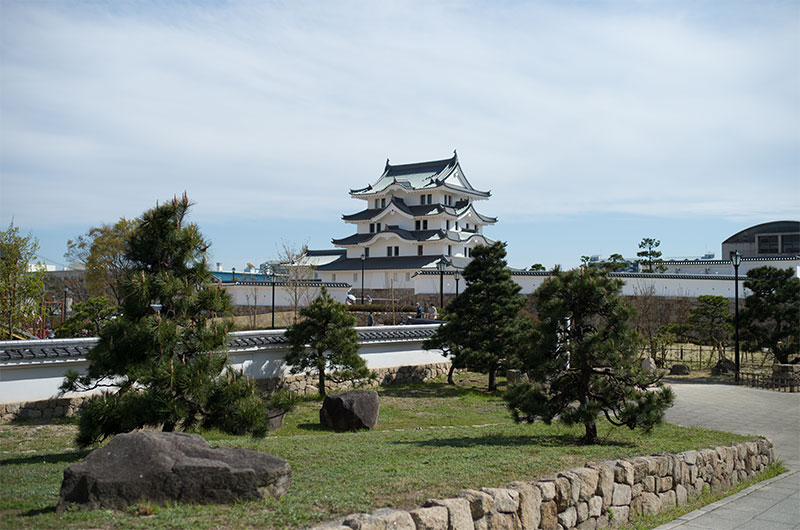 Amagasaki Castle and its garden